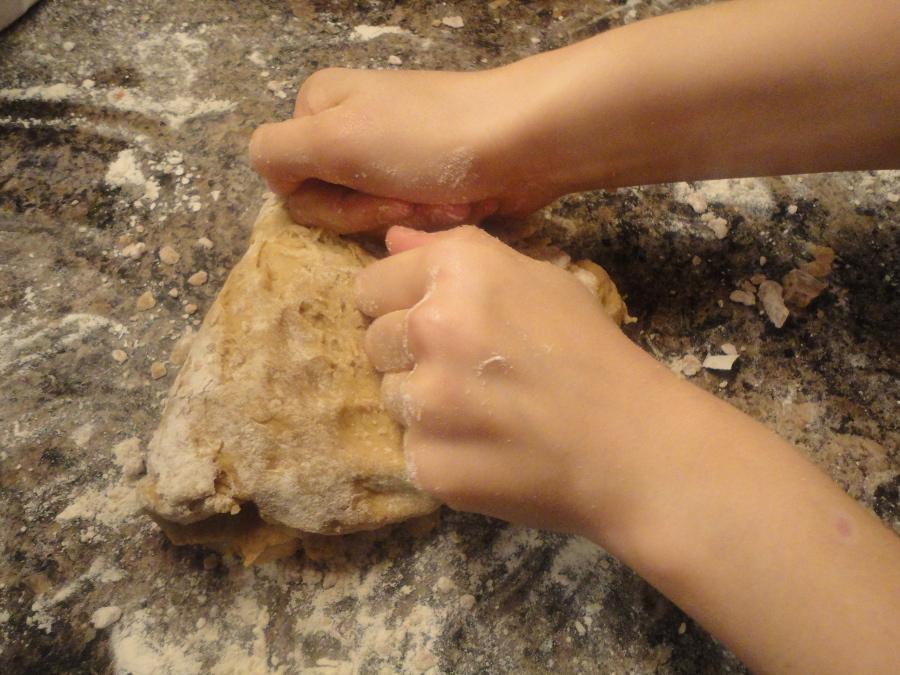 Kneading pastry
