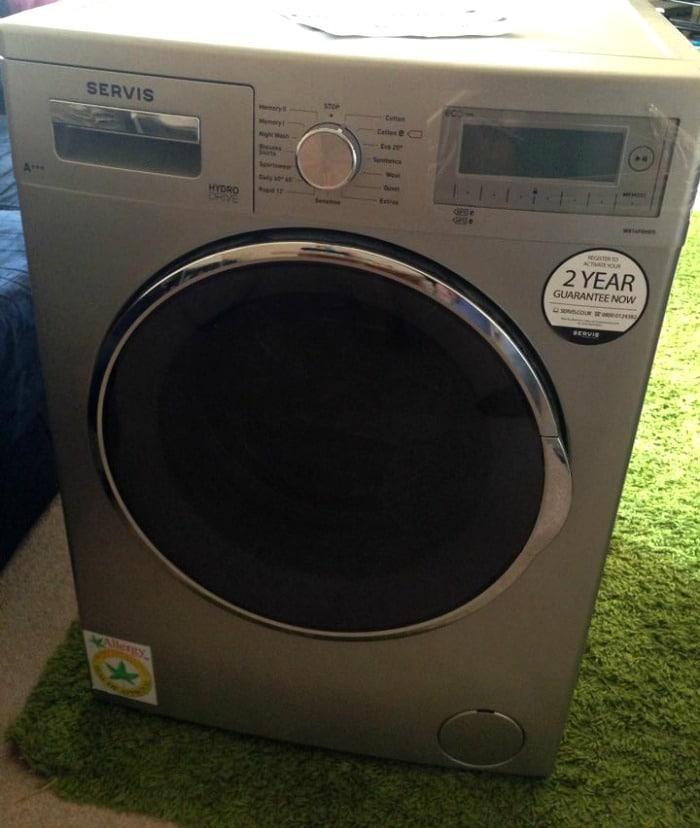 Servis Hydrodrive Washing Machine in my living room (2)