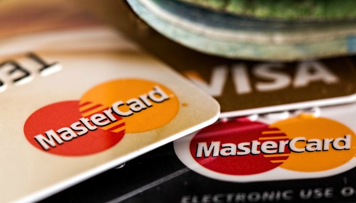 Paying on a credit card can be a fast way to falling into debt but used sensibly, a credit card has many benefits which can work in your favour.