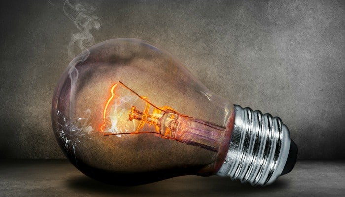 You can easily save £200 each and every year by switching energy providers. However, before you switch, there are some useful things to consider so don't just rush to the first company you find.