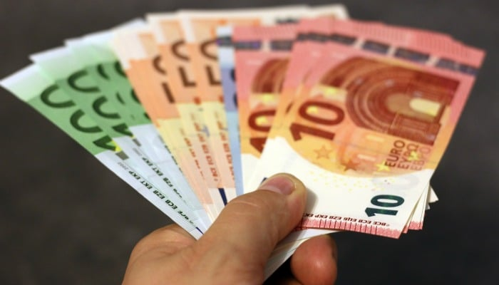 Buying cheap foreign currency can be really hit and miss so check out where to find the greatest deals (and what to avoid) to make the best savings.