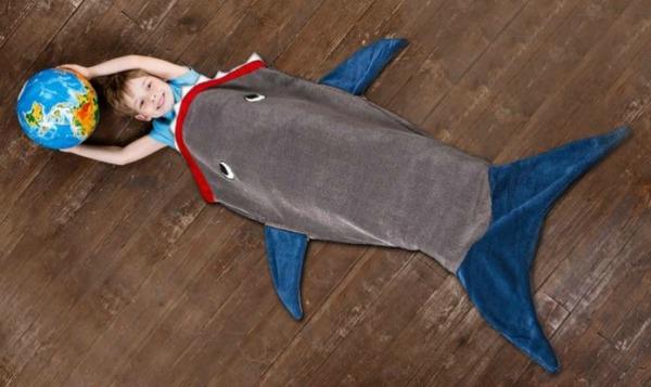 groupon-kids-shark-blanket