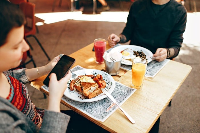 phone at restaurant