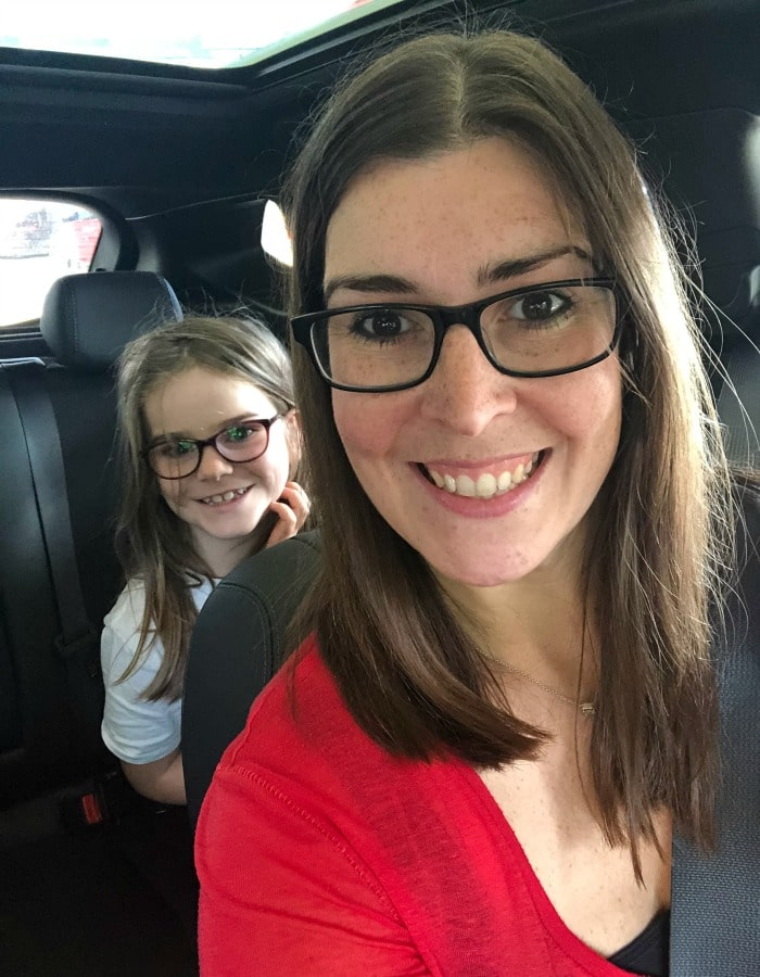 Naomi and Chloe in a car