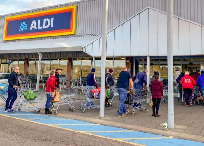 aldi supermarket queue