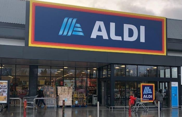 Aldi supermarket shop front