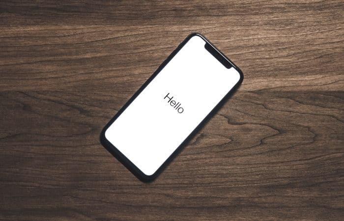 hello on iphone screen